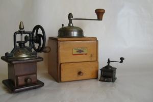 виды кофемолок: электрическая и механическая