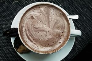 чем горячий шоколад отличается от какао