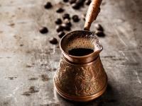 Как варить кофе в турке на плите правильно и вкусно