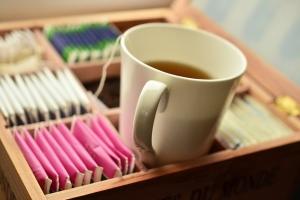 сколько кофеина в чашке чая