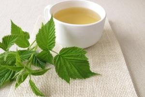 Польза чая с малиной для здоровья организма