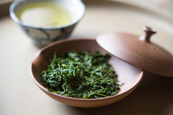 Зеленый чай сенча: что это такое, история, полезные свойства, правильное заваривание, противопоказания, отзывы