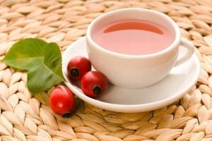 Как правильно заваривать чай из шиповника, чтобы сохранить витамины